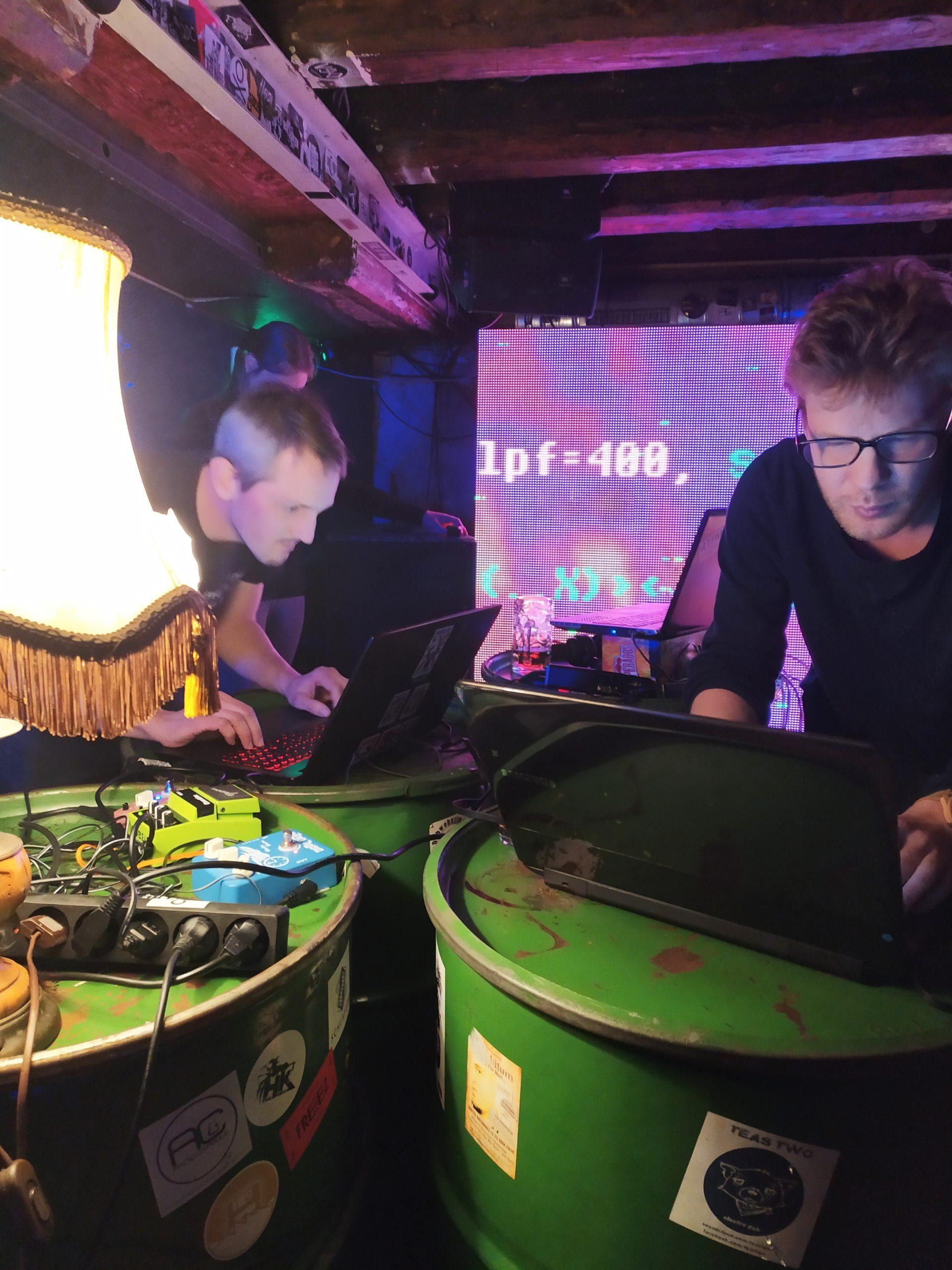 Crashserver livecoding at Elastic bar, Strasbourg
